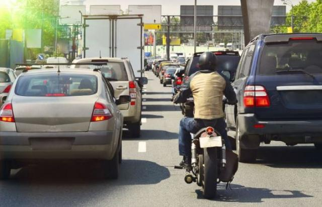 Madrid plan to trial a 70 metre motorcycle only lane