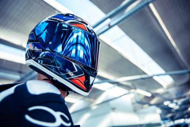 givi 50.6 sport deep helmet close