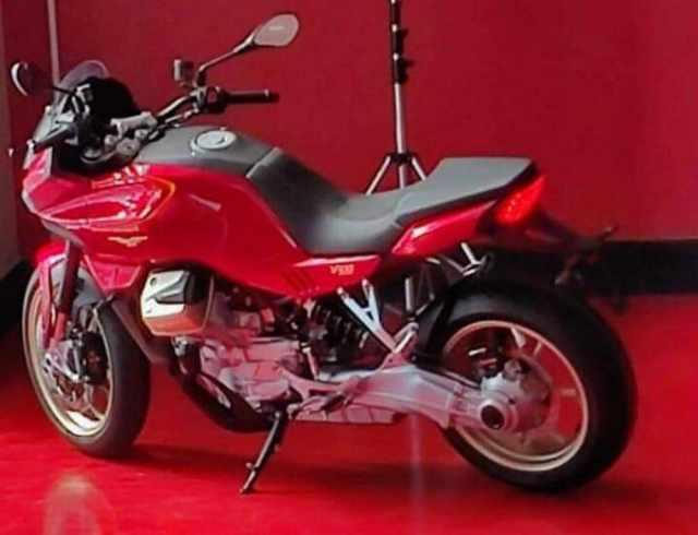 moto-guzzi-v100-new2.jpg [credit: Moto.it]
