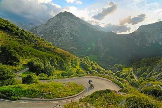 motorcycle-tour-asturies-picos-europa.jpg