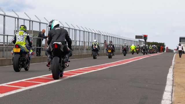 snetterton pit lane visordown