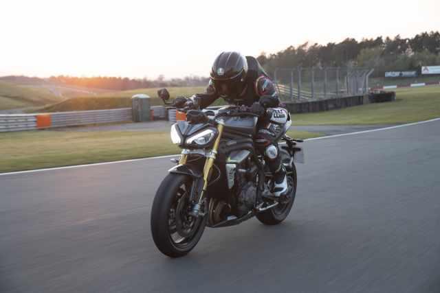 speed triple 2021 Visordown review