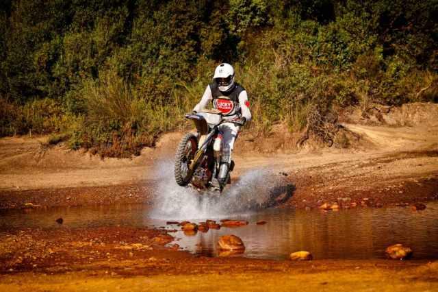 offroad riding dirt bike rally