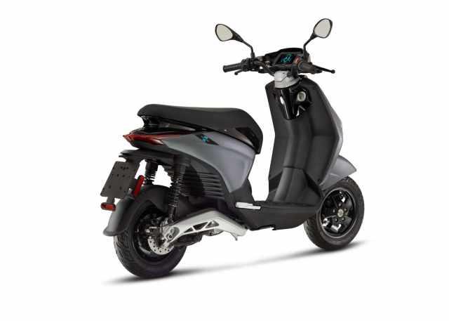 Piaggio-1-active-scooter