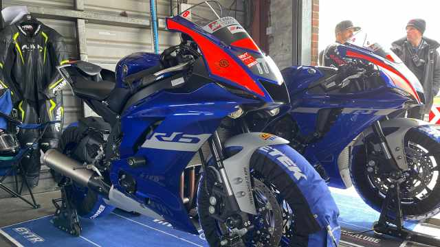 yamaha track experience r6 and r1