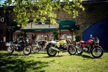 cafe Modern Rockers: Triumph Thruxton, Ducati GT1000, Moto Guzzi V7