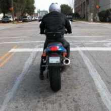 law Illinois bikers can run red lights. Kinda.