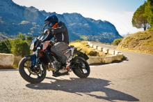 First Ride: 2012 KTM Duke 690 review