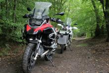 Honda Africa Twin vs BMW R1200GS Adventure video review