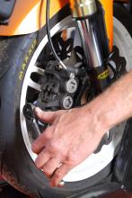 riding tips How to... remove your wheels - 5