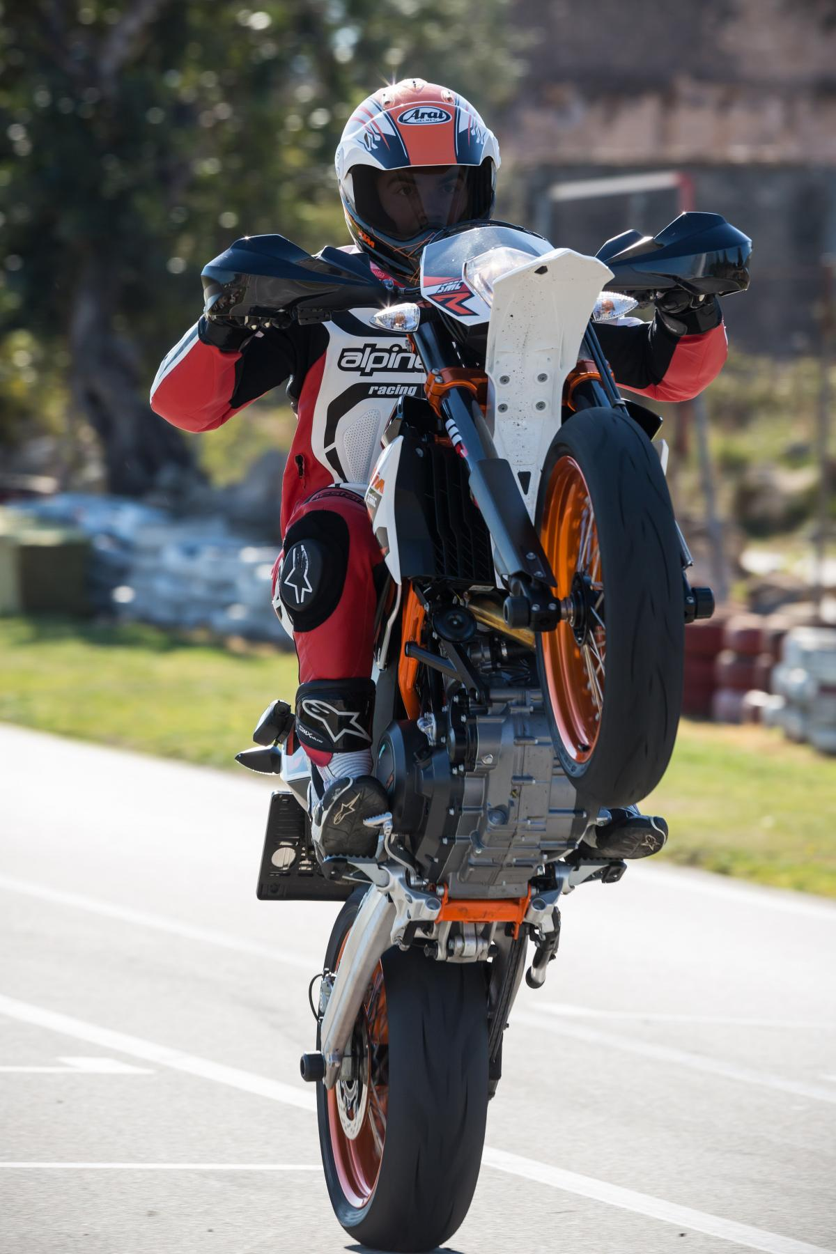 First Ride 2014 Ktm 690 Smc R Review Visordown