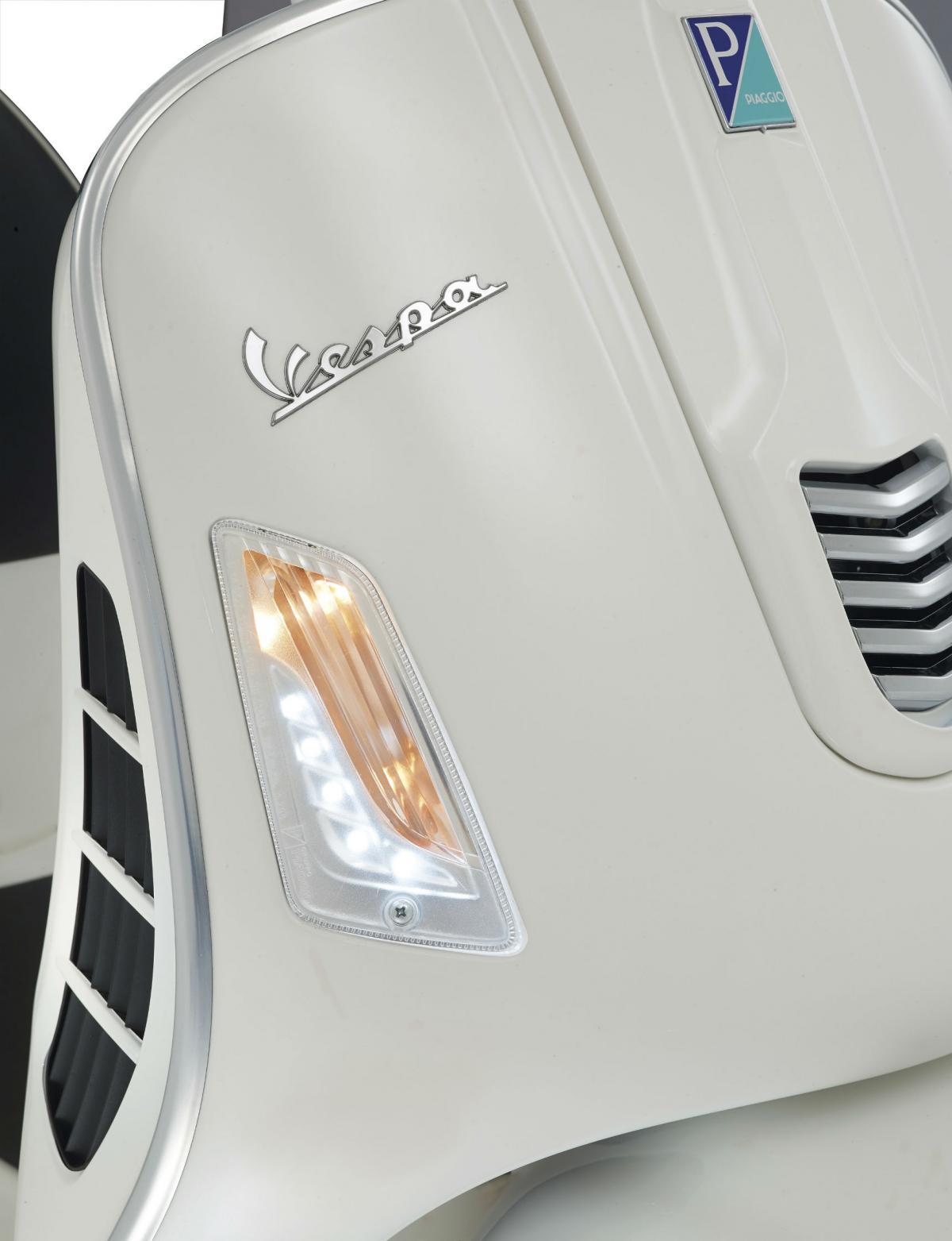 First Ride Vespa Gts 300 Super Review Visordown