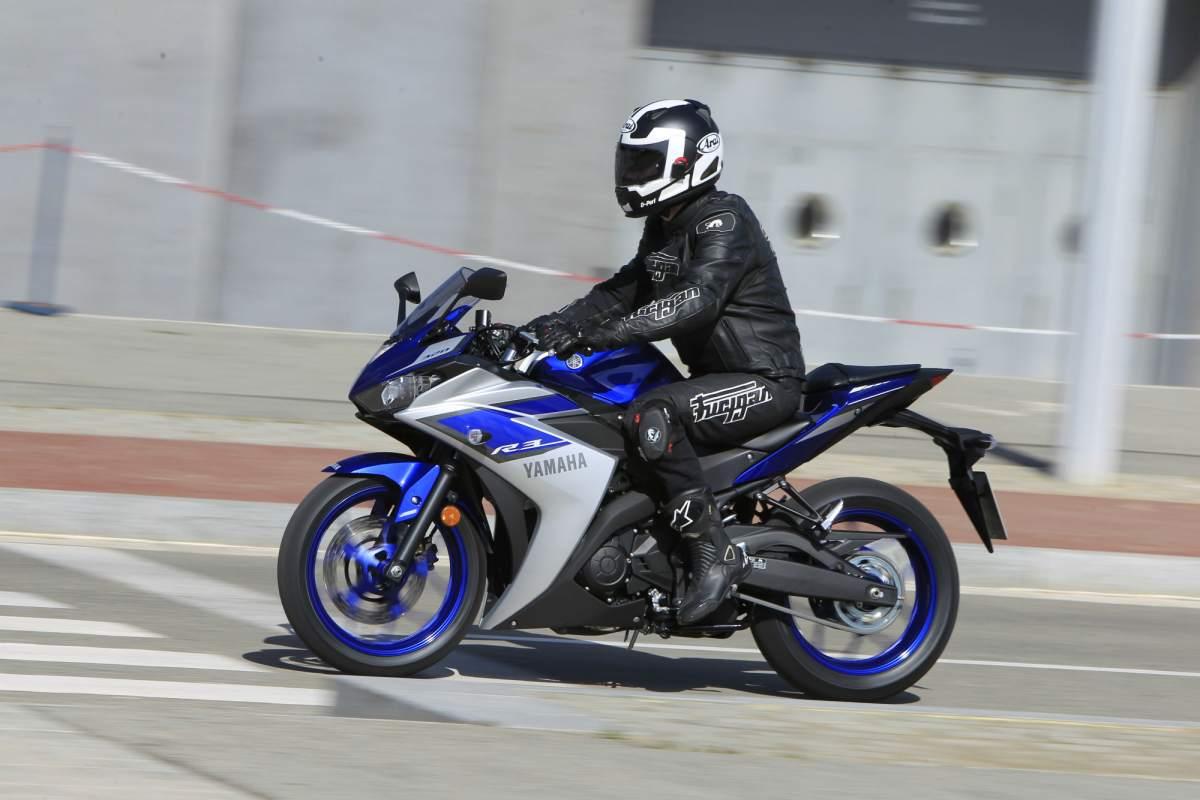 First Ride Yamaha R3 Review Visordown