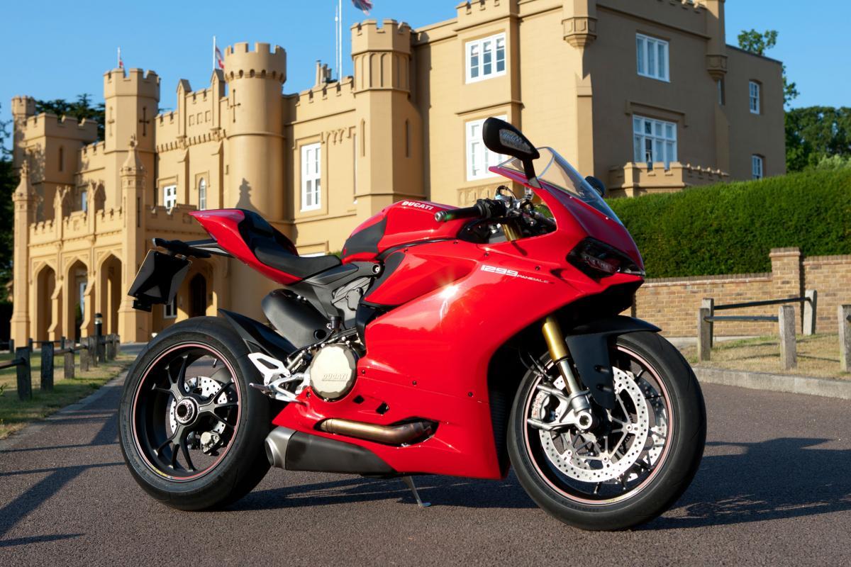 Uk Road Test Ducati 1299 Panigale S Review Visordown