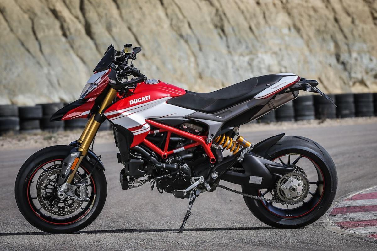 First Ride Ducati Hypermotard 939 Sp Review Visordown