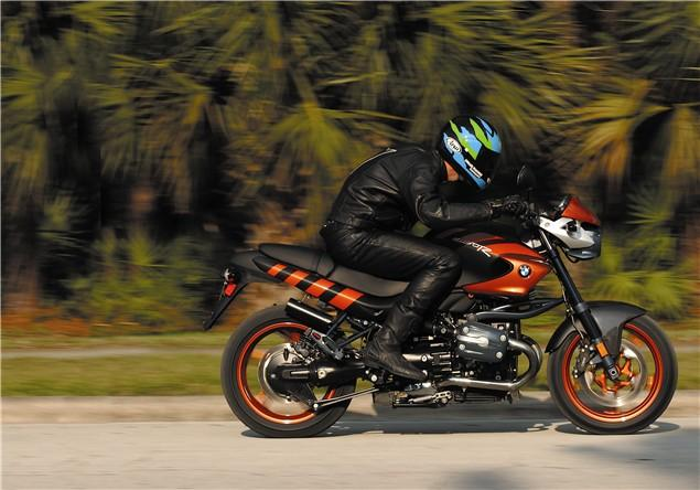First Ride Bmw R1150 Rockster Review Visordown