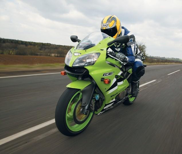 First Ride: 2002 Kawasaki ZX-6R 636   Visordown