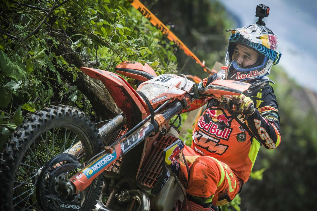 Watch: Alfredo Gomez Takes Victory At The ErzbergRodeo Red Bull Hare Scramble 2017