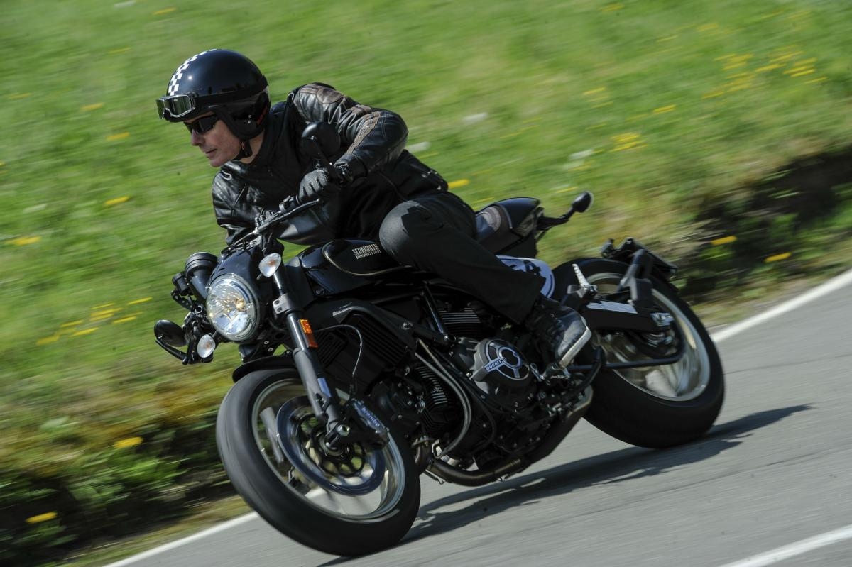 Ducati Scrambler Café Racer Review Visordown