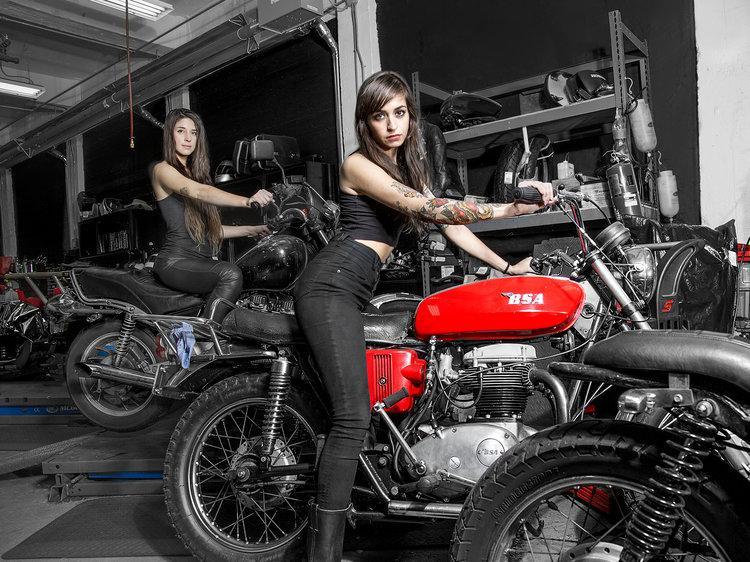 Naked women washing motorcycles images 970