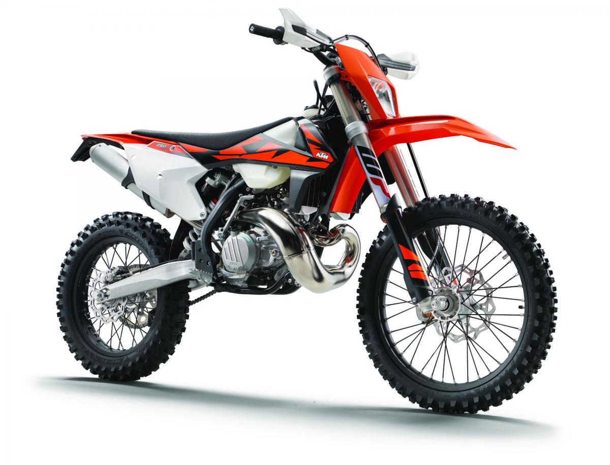 KTM reveals world's first two-stroke fuel-injected enduro bikes