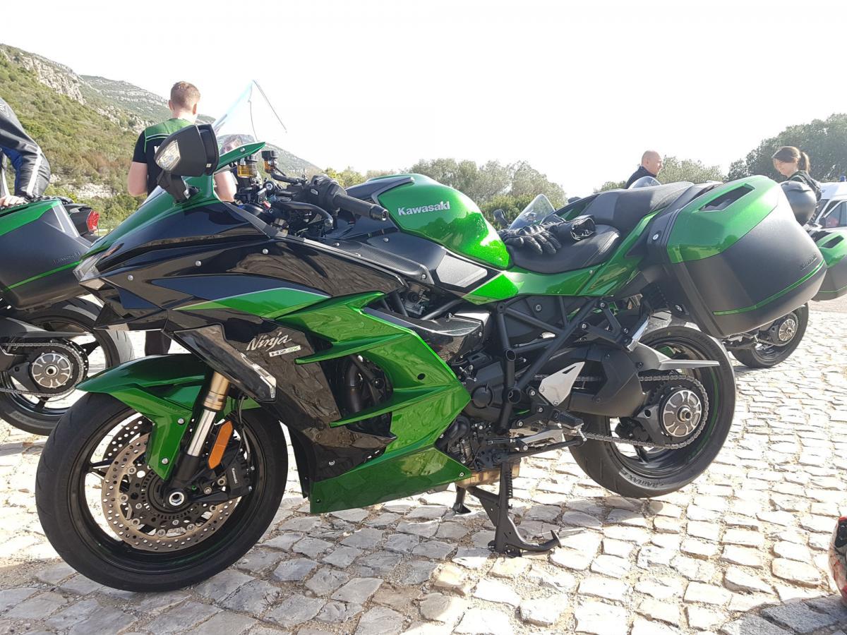 Kawasaki Ninja H2 Sx Se Review First Thoughts Visordown