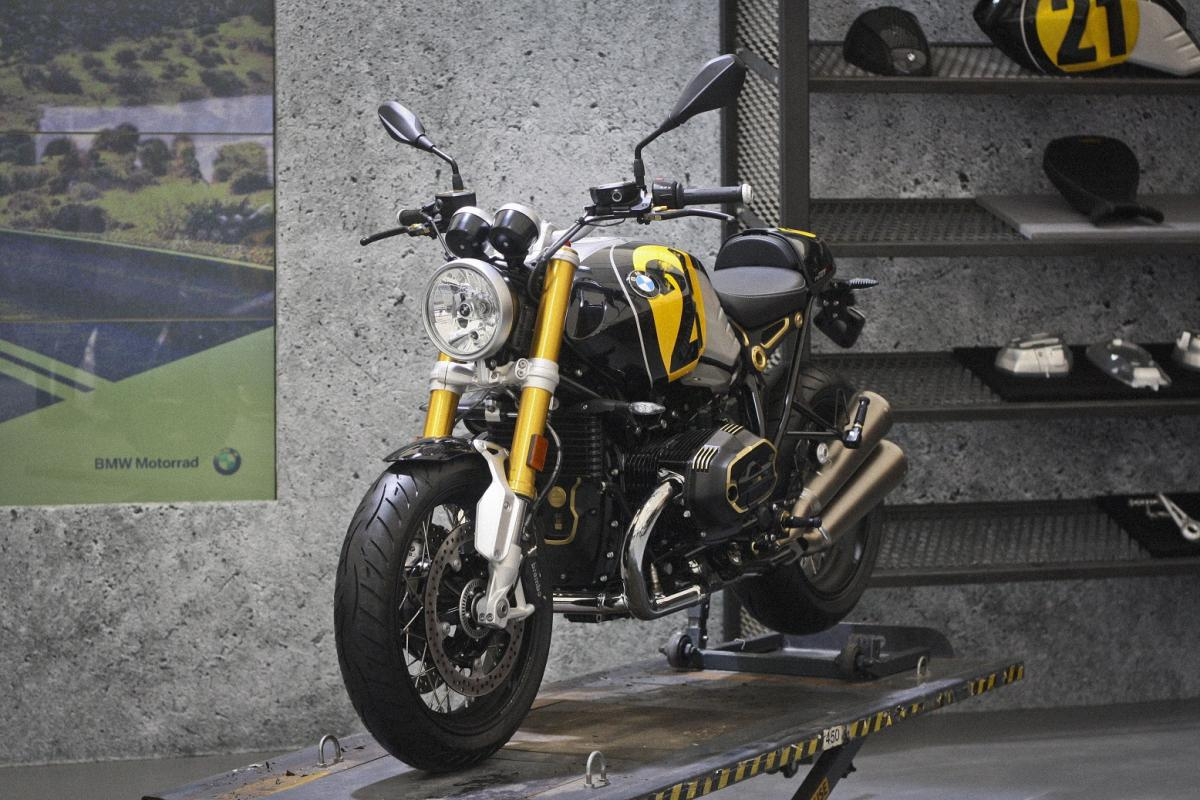 want a custom bike but can 39 t build one now bmw will se. Black Bedroom Furniture Sets. Home Design Ideas