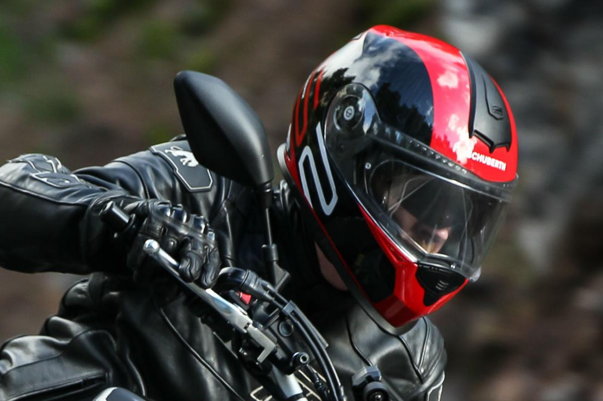 Schuberth S2 Review >> Schuberth Helmet Review Visordown