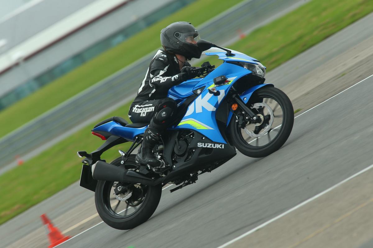 First ride: Suzuki GSX-R125 and GSX-S125 review | Visordown