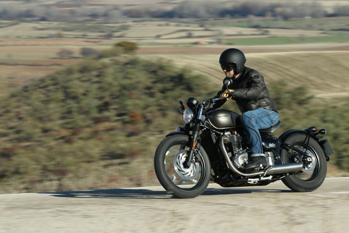 Triumph Bonneville Bobber Black Coming For 2018 Visordown