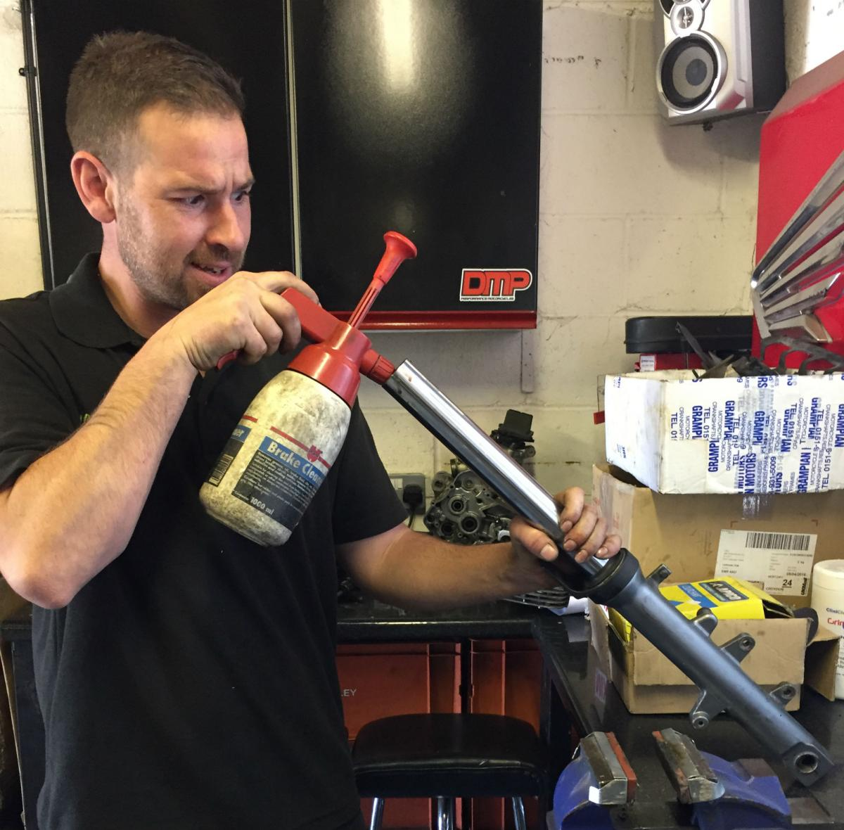 How to… change your fork oil