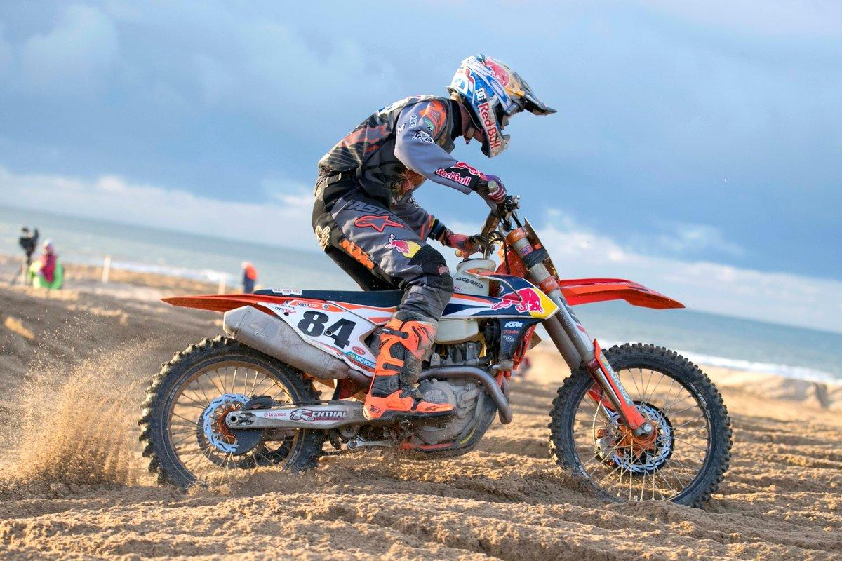 Jeffrey Herlings storms to victory at Red Bull knock out