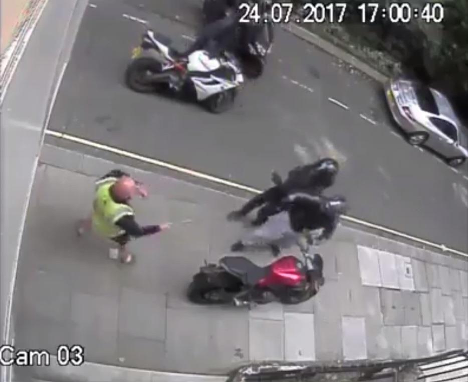 Pole-wielding builders see bike thieves off