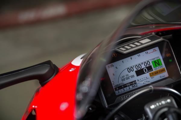 Honda Fireblade 2017 TFT colour screen