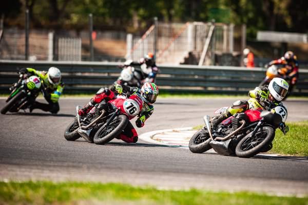 Moto Guzzi Fast Endurance