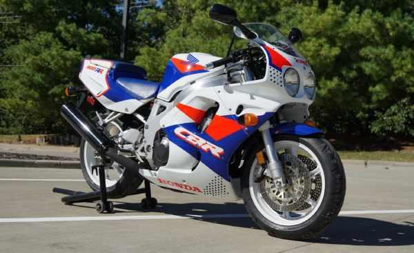 1993-Honda-CBR900RR-Fireblade.jpg