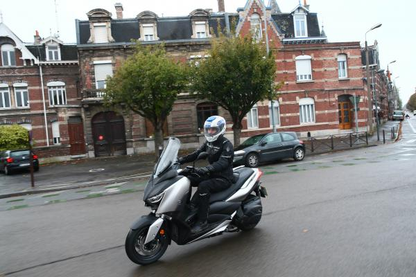 Yamaha XMAX 400 - first thoughts