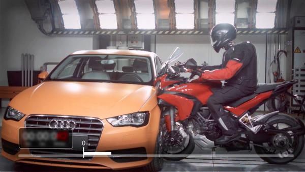 Motorcycle crash - crash test dummy