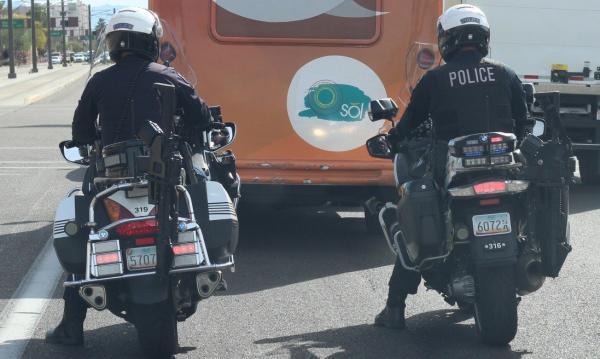 American cops equip Harleys with gun racks
