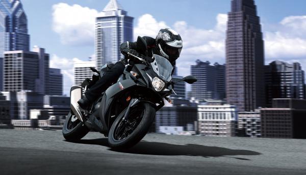 Suzuki introduces new GSX250R