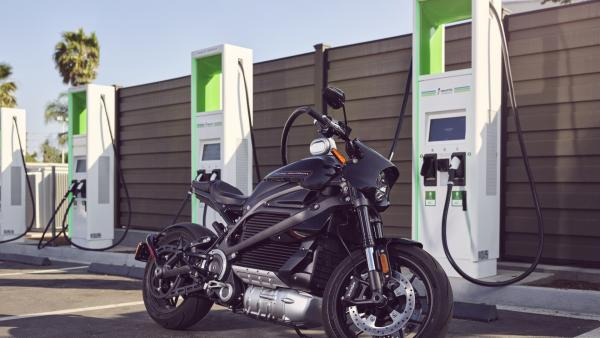 Harley Davidson LiveWire, charging, electric