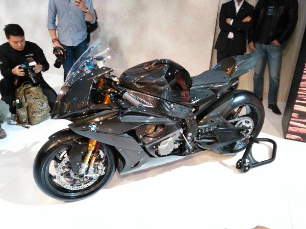 BMW HP4 Race coming in 2017