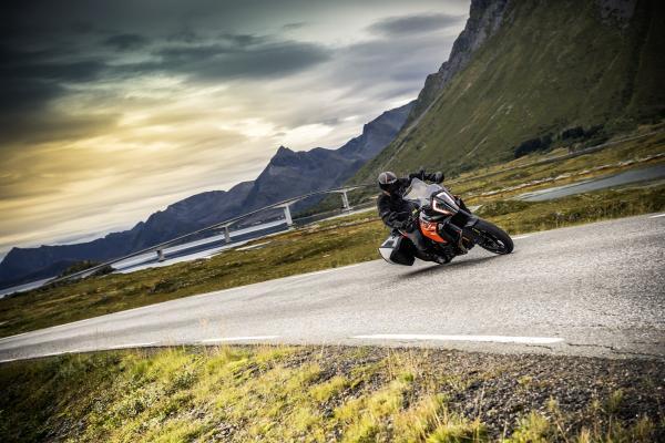 KTM expands 1290 Super Adventure range for 2017