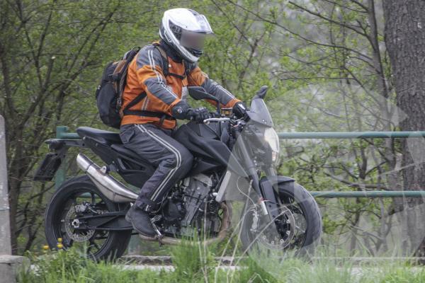 New KTM Duke 800 spied