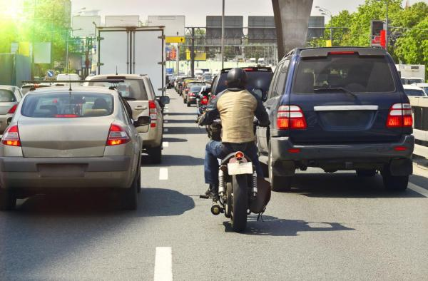 Ford patents system that senses filtering bikes