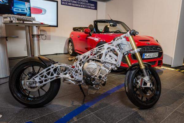 BMW reveal 3D-printed S1000RR chassis