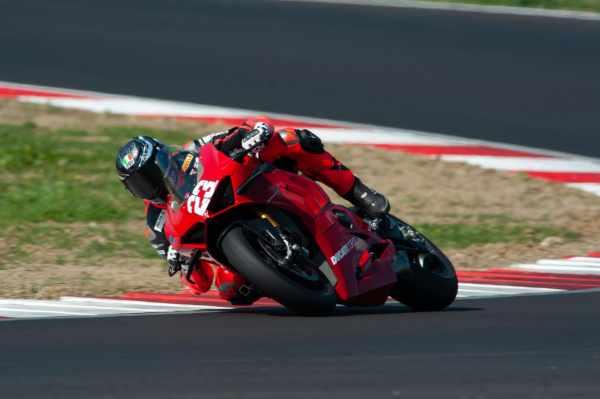 Luca Salvadori Ducati Panigale V4S