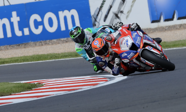 Vickers knocked unconscious in crash, out of Brands Hatch BSB