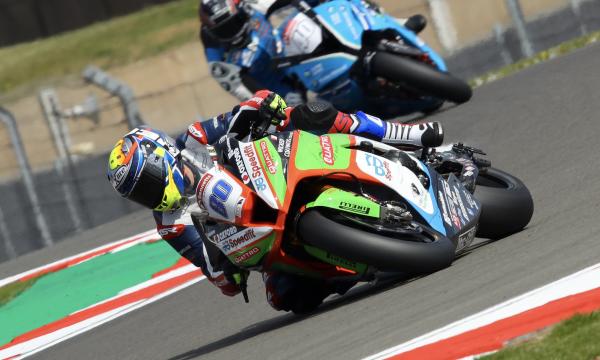 Ex-MotoGP rider Barbera shines on impressive BSB debut