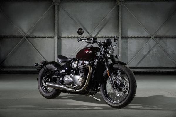 Triumph reveals new Bonneville Bobber
